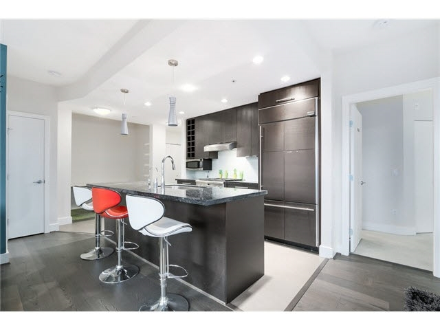Condo Apartment at 105 3478 WESBROOK MALL, Unit 105, Vancouver West, British Columbia. Image 5