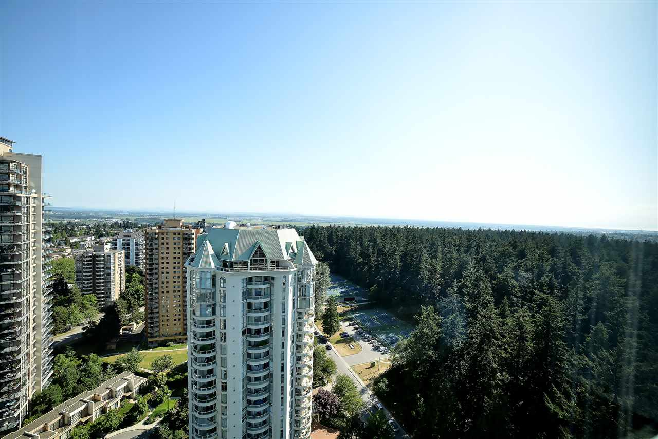 Condo Apartment at 27D 6128 PATTERSON AVENUE, Unit 27D, Burnaby South, British Columbia. Image 2