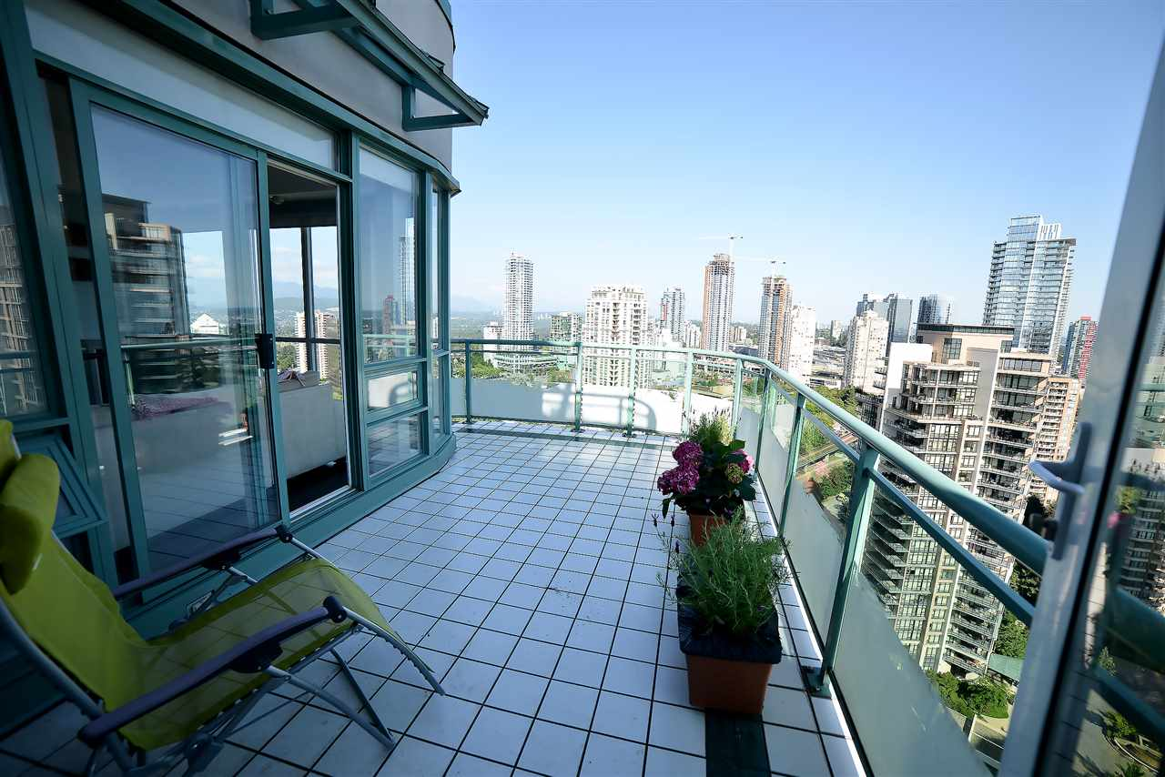 Condo Apartment at 27D 6128 PATTERSON AVENUE, Unit 27D, Burnaby South, British Columbia. Image 3