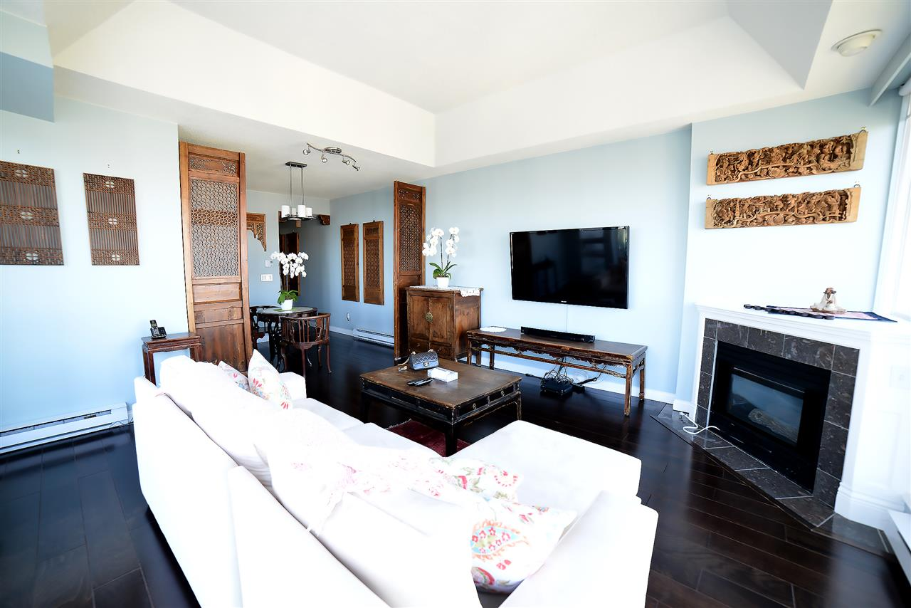 Condo Apartment at 27D 6128 PATTERSON AVENUE, Unit 27D, Burnaby South, British Columbia. Image 7