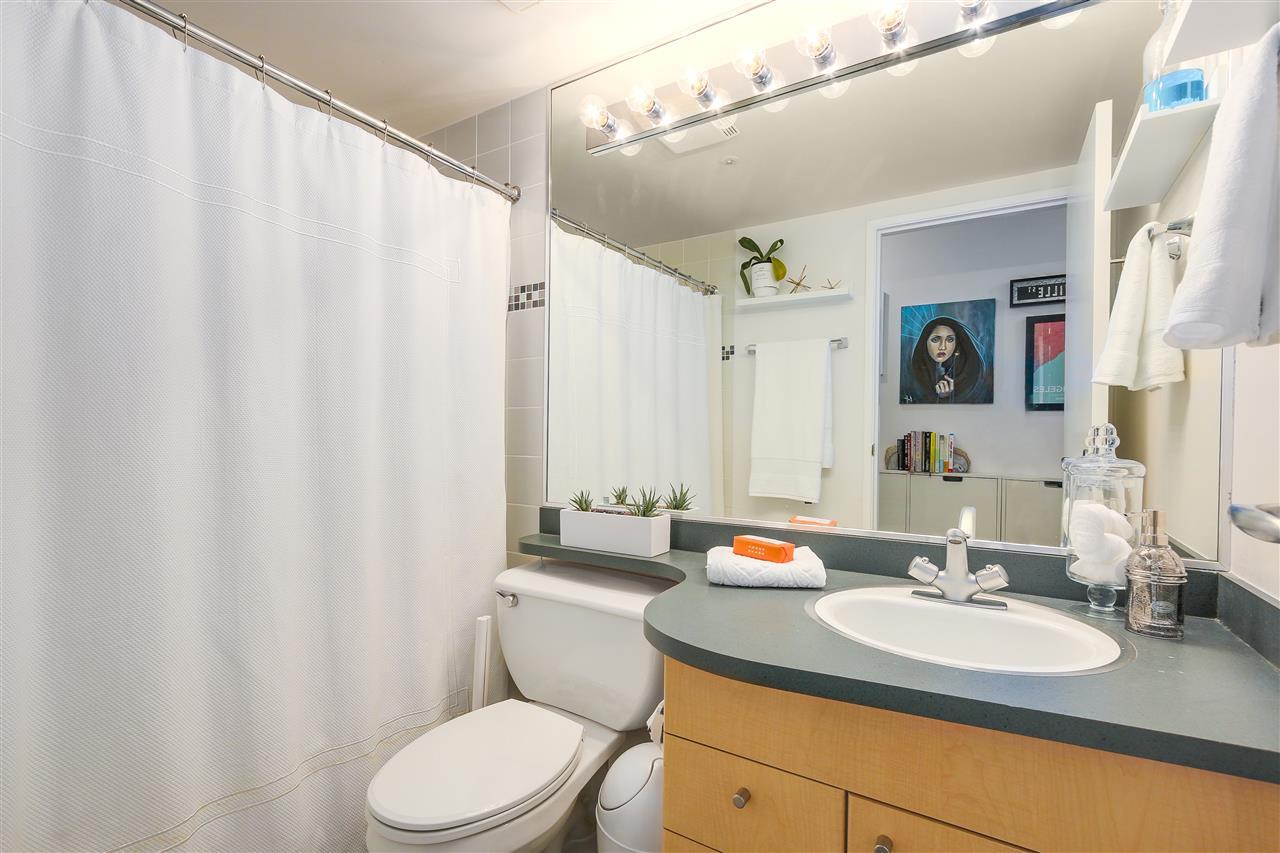 Condo Apartment at 2203 1009 EXPO BOULEVARD, Unit 2203, Vancouver West, British Columbia. Image 11