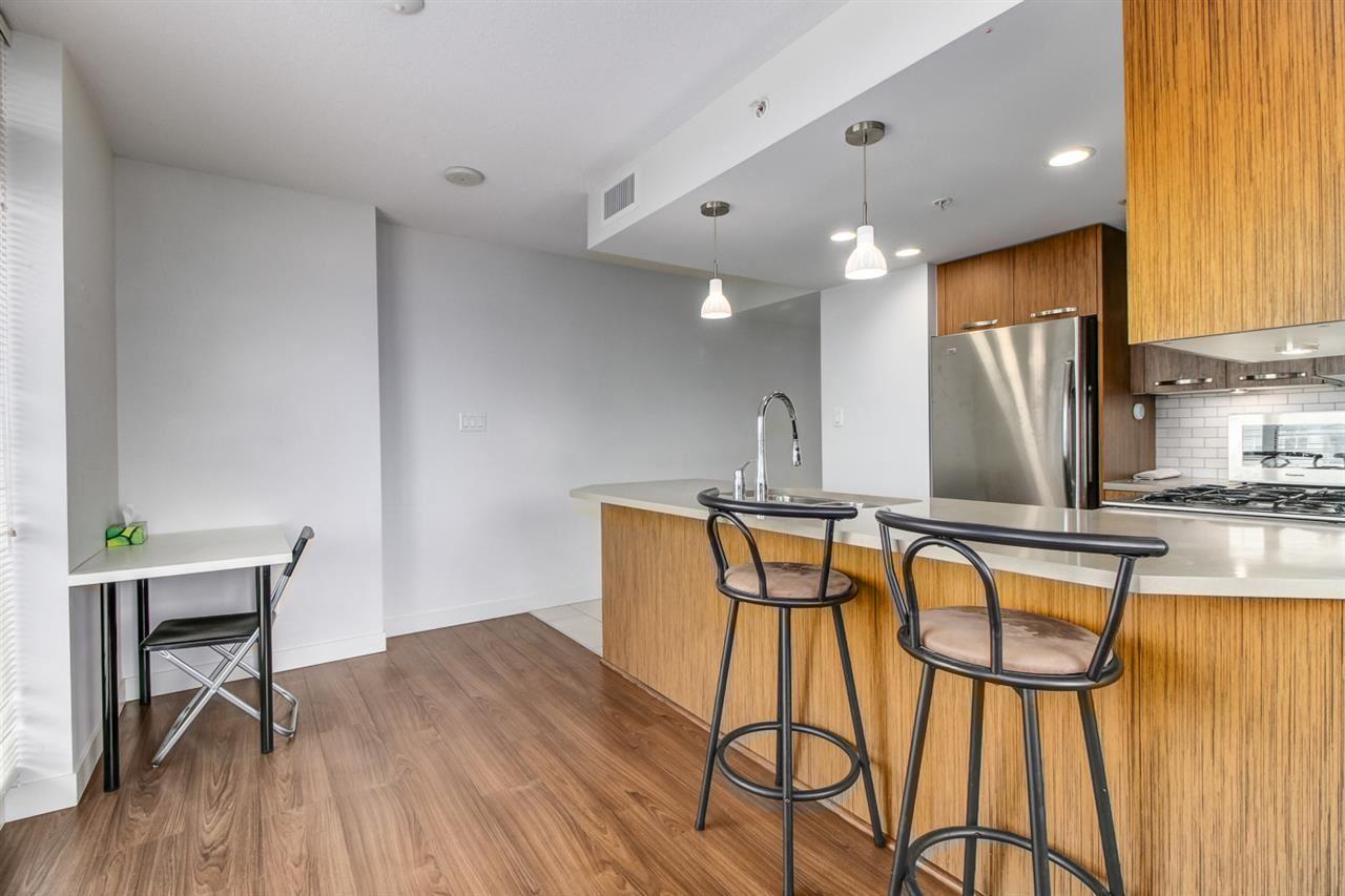 Condo Apartment at 709 6888 COONEY ROAD, Unit 709, Richmond, British Columbia. Image 3
