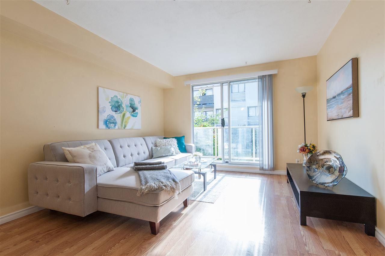 Condo Apartment at 202 10533 UNIVERSITY DRIVE, Unit 202, North Surrey, British Columbia. Image 3