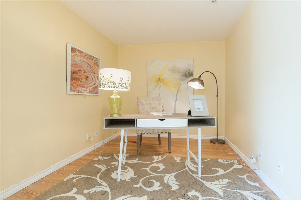 Condo Apartment at 202 10533 UNIVERSITY DRIVE, Unit 202, North Surrey, British Columbia. Image 5