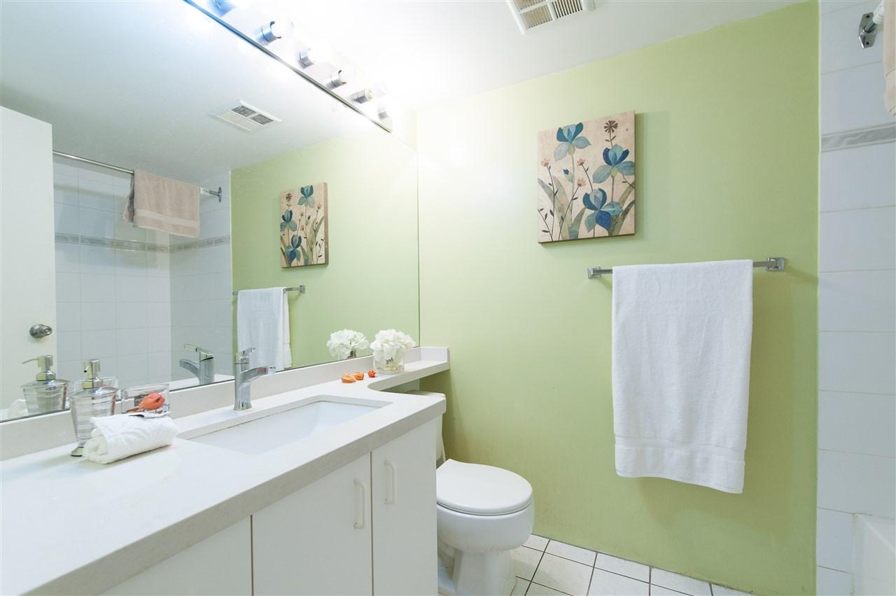 Condo Apartment at 202 10533 UNIVERSITY DRIVE, Unit 202, North Surrey, British Columbia. Image 10