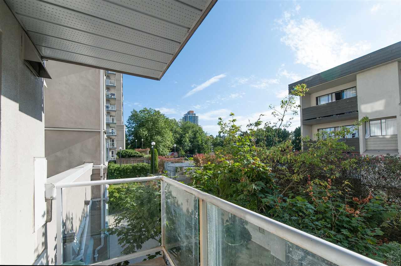 Condo Apartment at 202 10533 UNIVERSITY DRIVE, Unit 202, North Surrey, British Columbia. Image 12