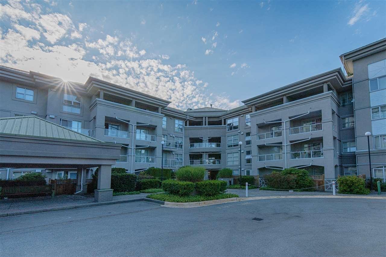 Condo Apartment at 202 10533 UNIVERSITY DRIVE, Unit 202, North Surrey, British Columbia. Image 13