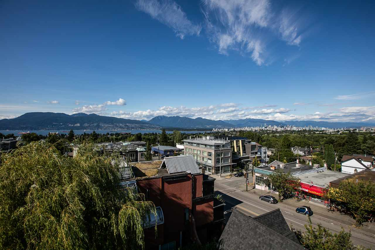 Townhouse at 104 3349 DUNBAR STREET, Unit 104, Vancouver West, British Columbia. Image 3
