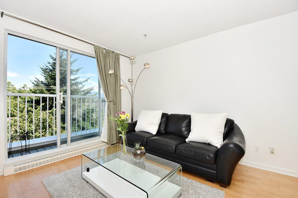 Townhouse at 303 3727 W 10TH AVENUE, Unit 303, Vancouver West, British Columbia. Image 3