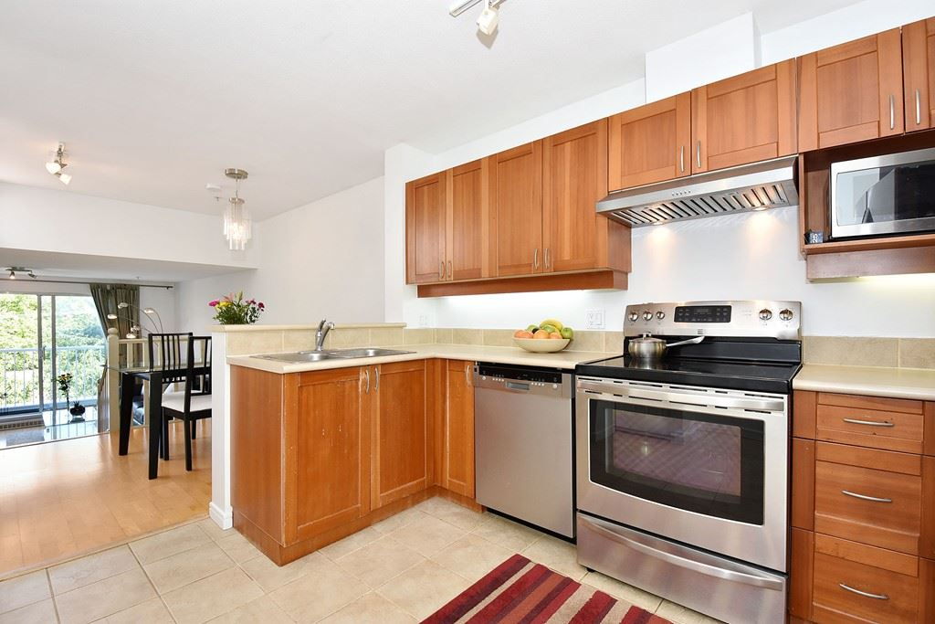 Townhouse at 303 3727 W 10TH AVENUE, Unit 303, Vancouver West, British Columbia. Image 6