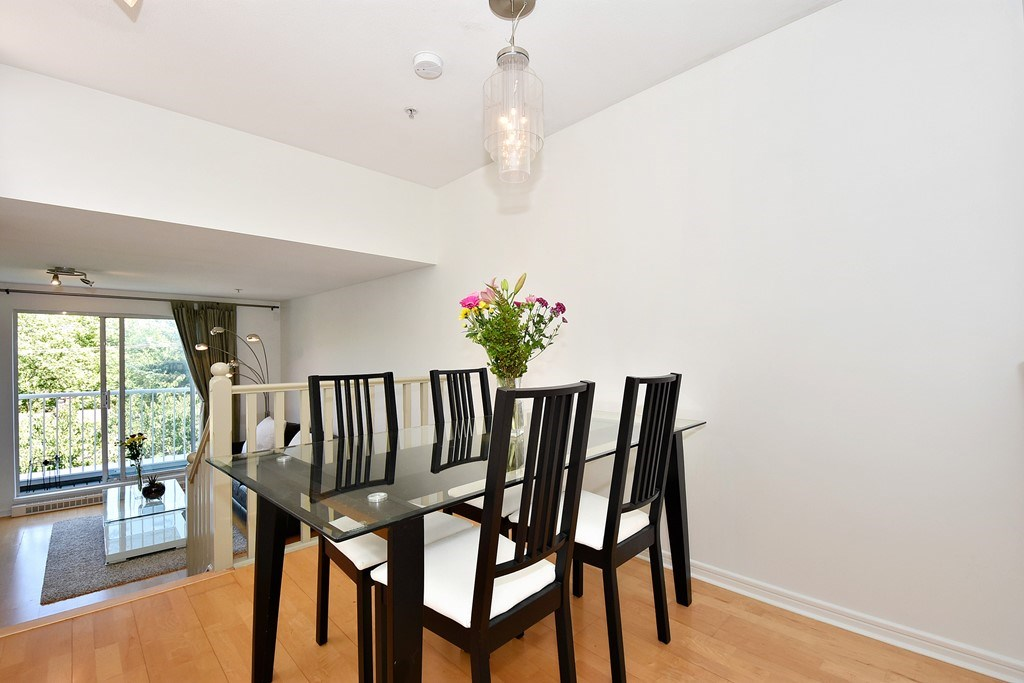 Townhouse at 303 3727 W 10TH AVENUE, Unit 303, Vancouver West, British Columbia. Image 7