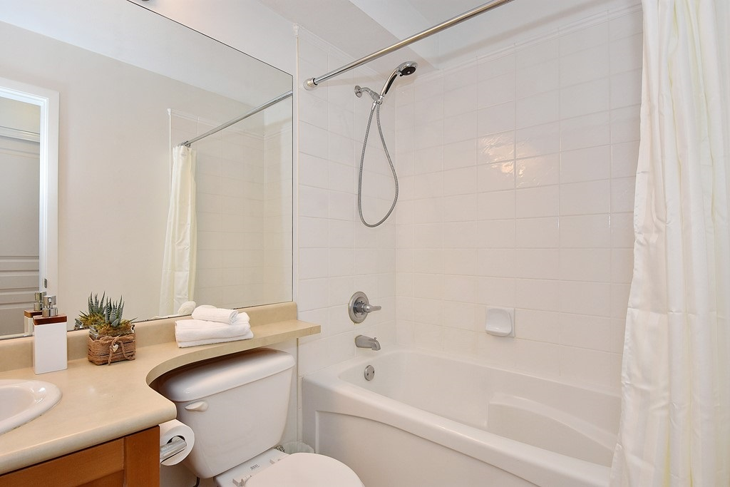 Townhouse at 303 3727 W 10TH AVENUE, Unit 303, Vancouver West, British Columbia. Image 9
