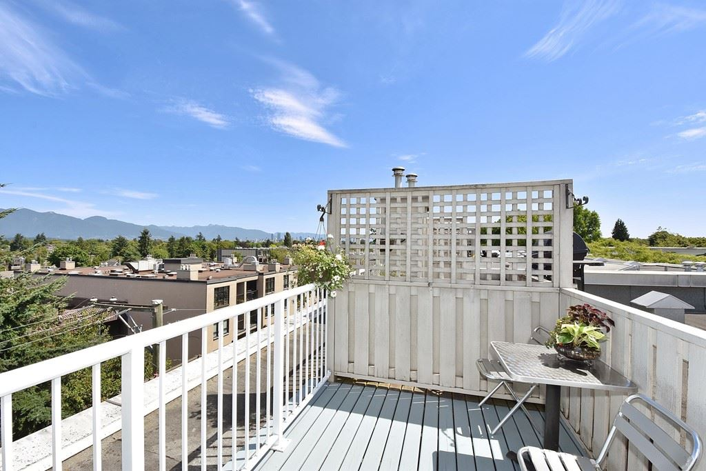Townhouse at 303 3727 W 10TH AVENUE, Unit 303, Vancouver West, British Columbia. Image 12
