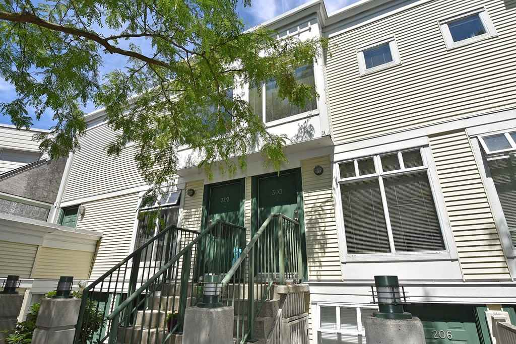 Townhouse at 303 3727 W 10TH AVENUE, Unit 303, Vancouver West, British Columbia. Image 13