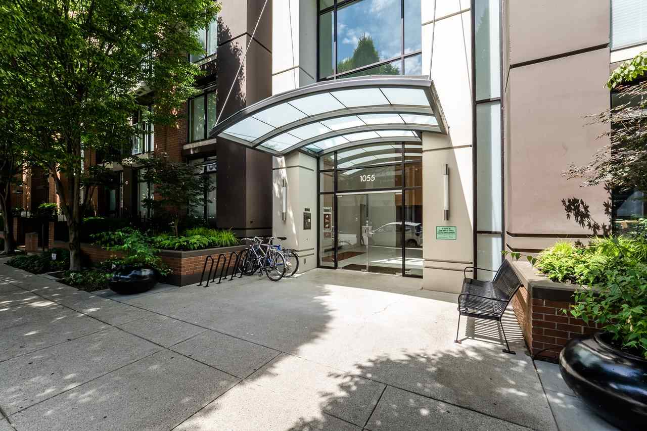 Condo Apartment at 2102 1055 HOMER STREET, Unit 2102, Vancouver West, British Columbia. Image 1
