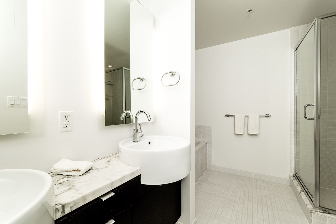 Condo Apartment at 2102 1055 HOMER STREET, Unit 2102, Vancouver West, British Columbia. Image 13