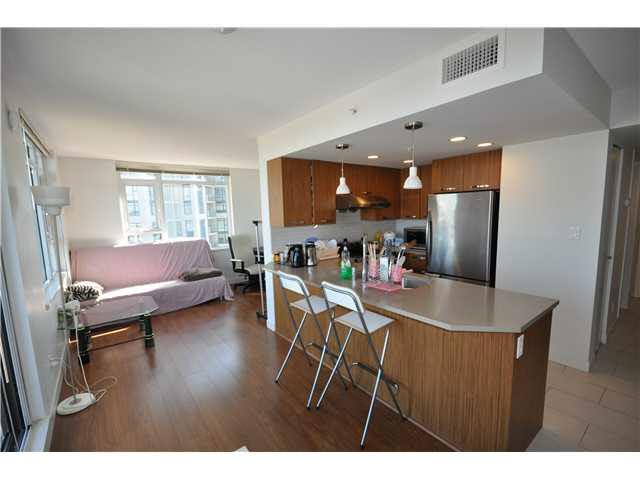 Condo Apartment at 901 6888 COONEY ROAD, Unit 901, Richmond, British Columbia. Image 2