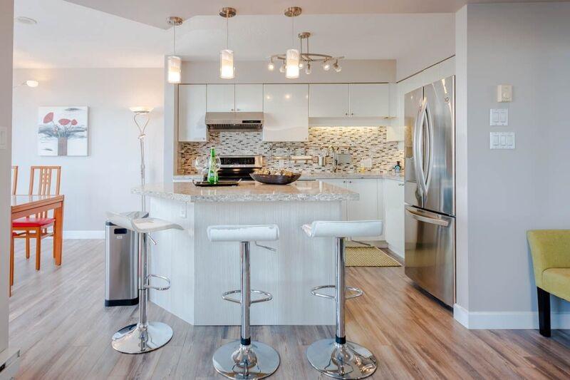 Condo Apartment at 1503 6191 BUSWELL STREET, Unit 1503, Richmond, British Columbia. Image 6