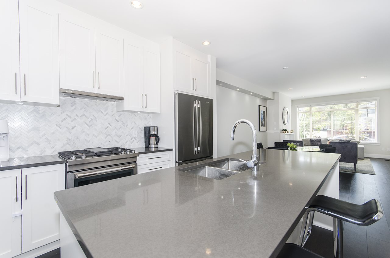 Townhouse at 16507 24A STREET, South Surrey White Rock, British Columbia. Image 5