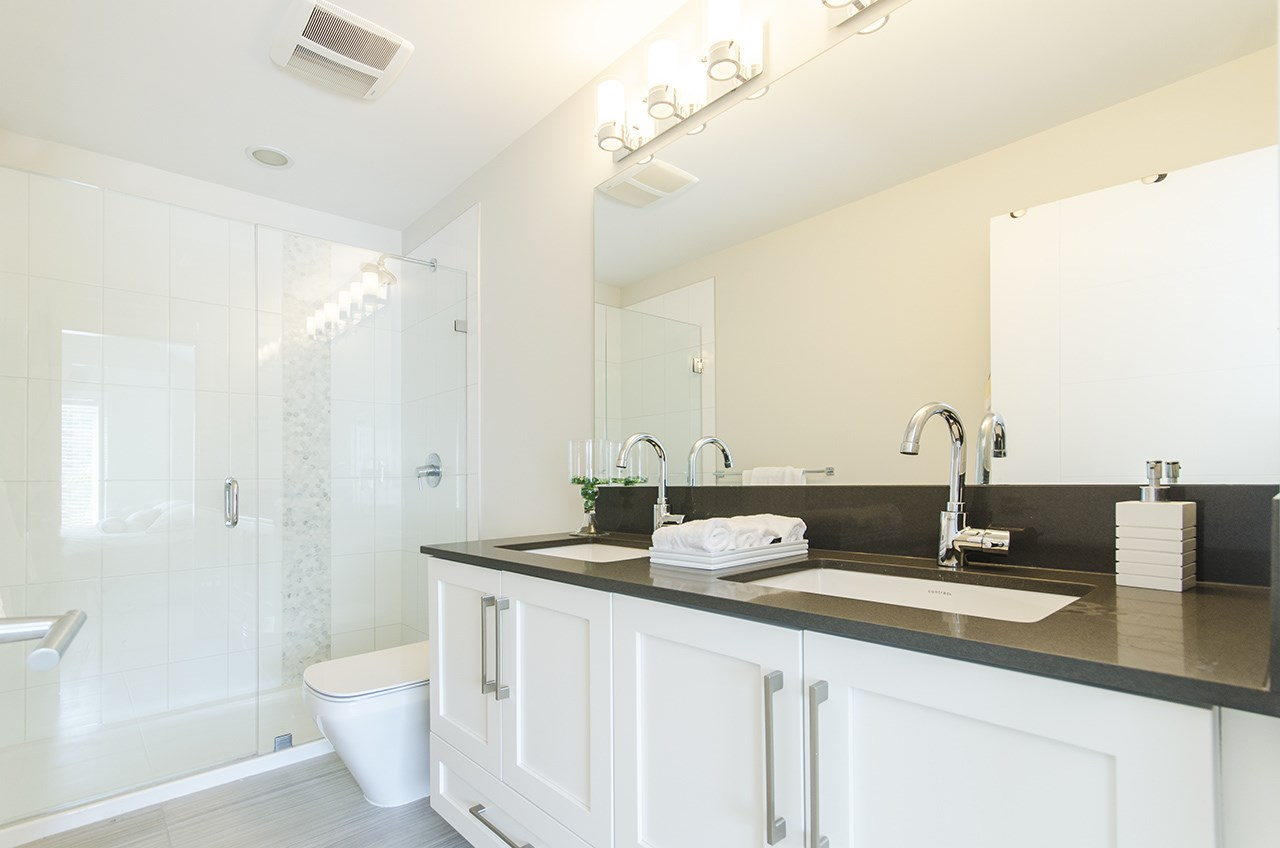 Townhouse at 16507 24A STREET, South Surrey White Rock, British Columbia. Image 10