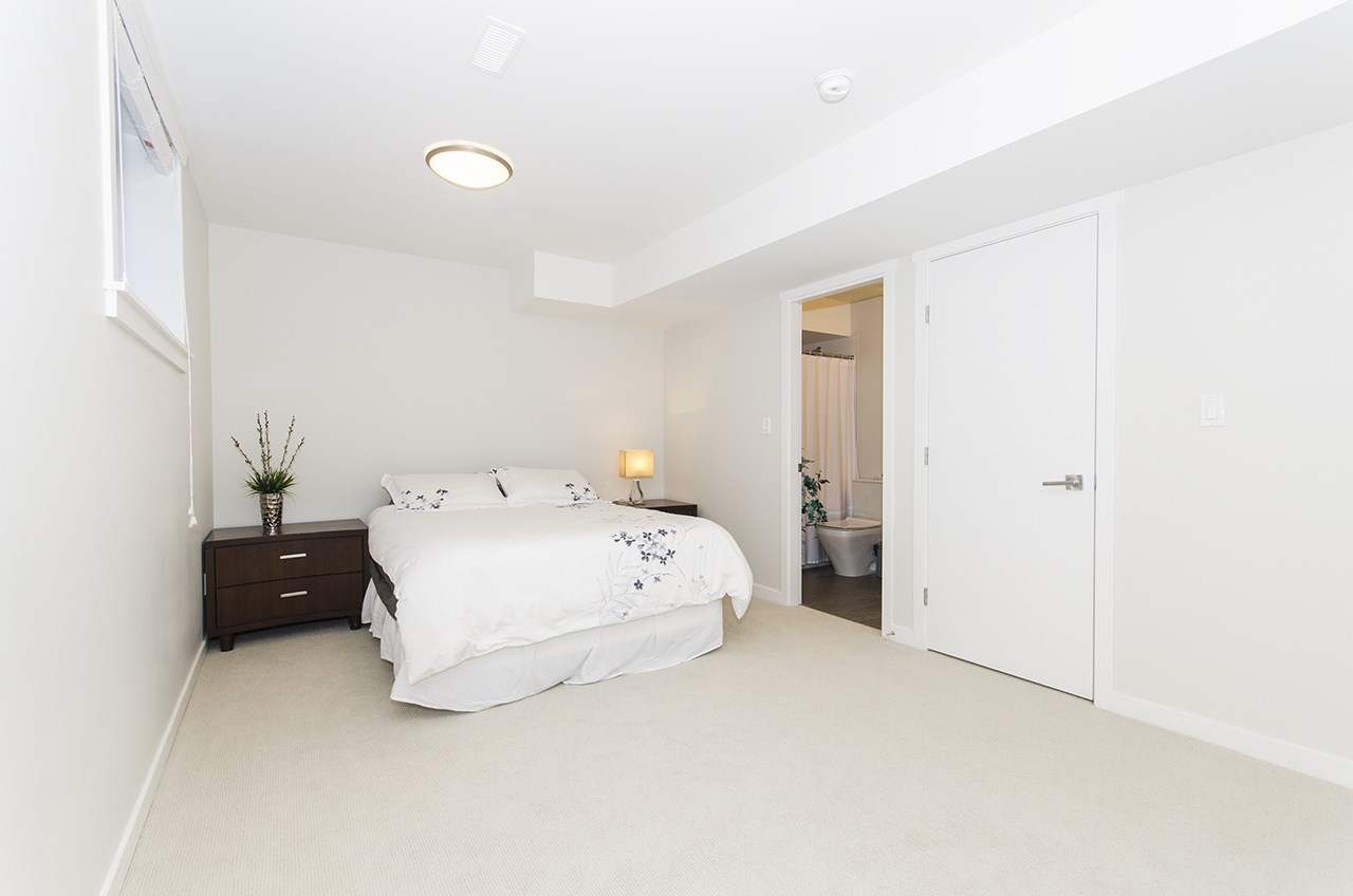 Townhouse at 16507 24A STREET, South Surrey White Rock, British Columbia. Image 14