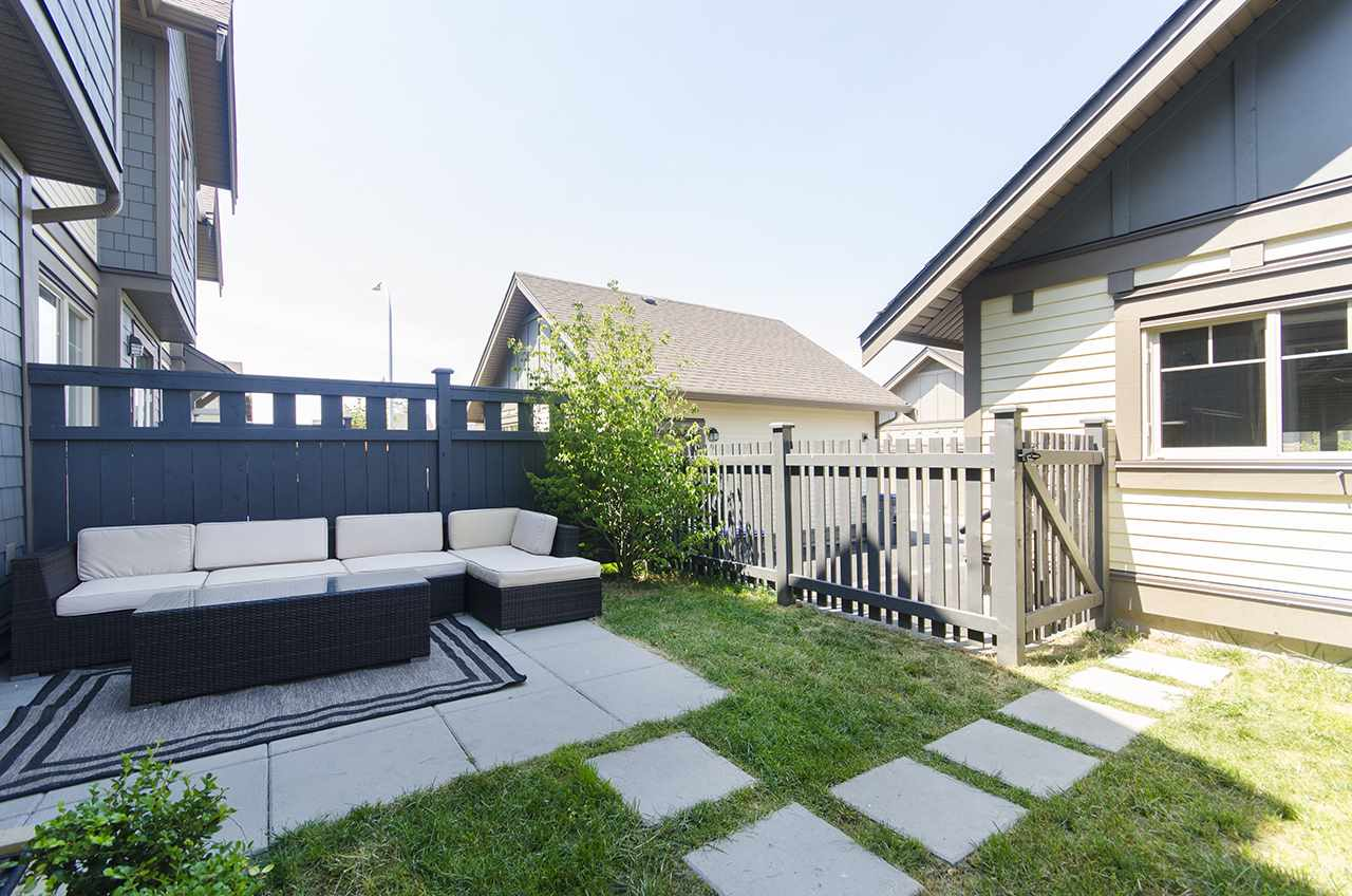 Townhouse at 16507 24A STREET, South Surrey White Rock, British Columbia. Image 17
