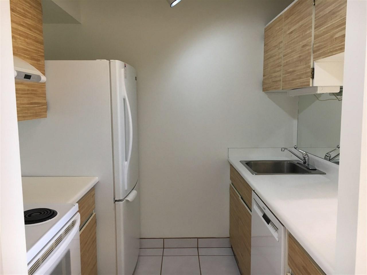Condo Apartment at 1301 2004 FULLERTON AVENUE, Unit 1301, North Vancouver, British Columbia. Image 6