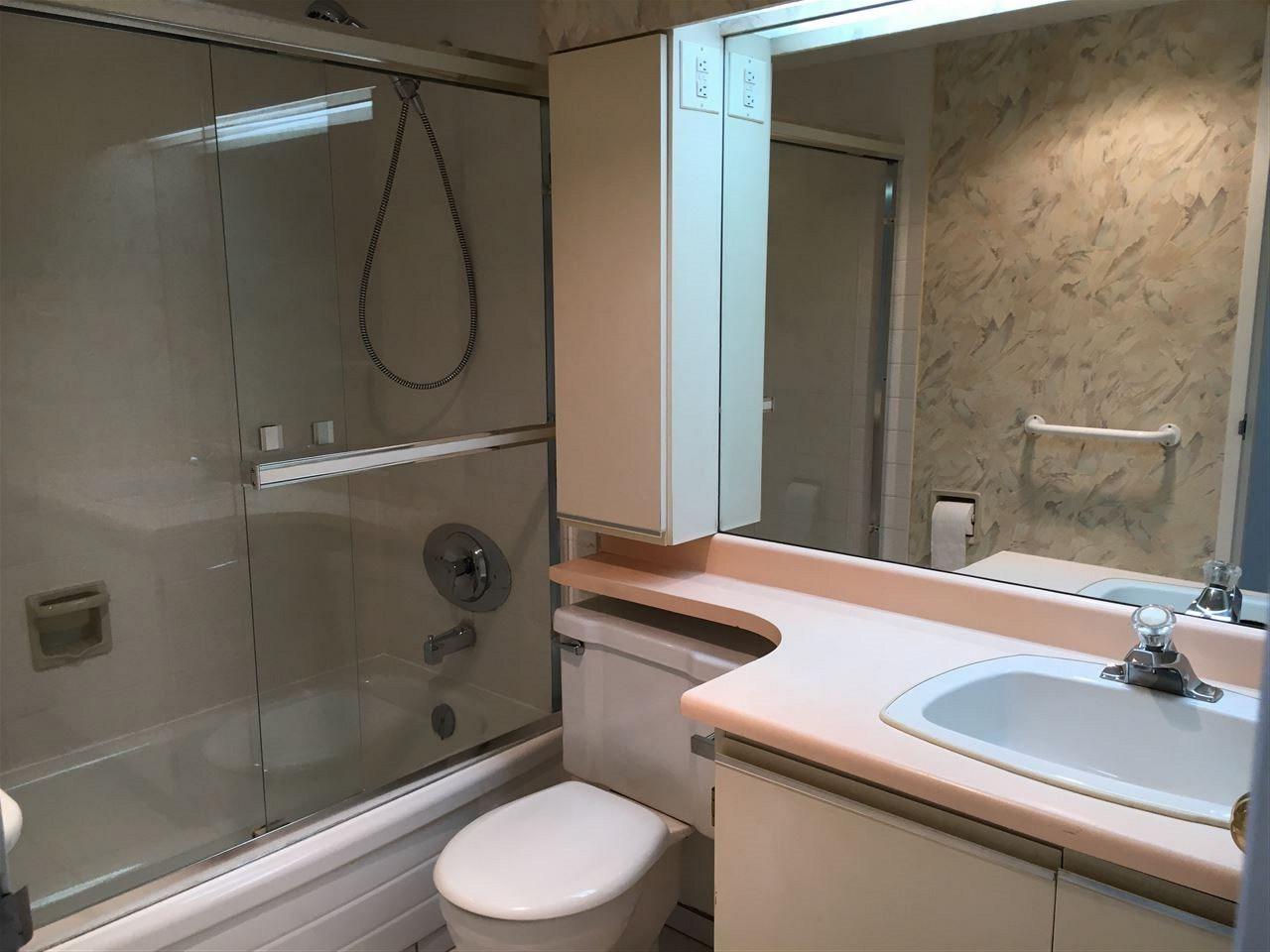 Condo Apartment at 1301 2004 FULLERTON AVENUE, Unit 1301, North Vancouver, British Columbia. Image 9