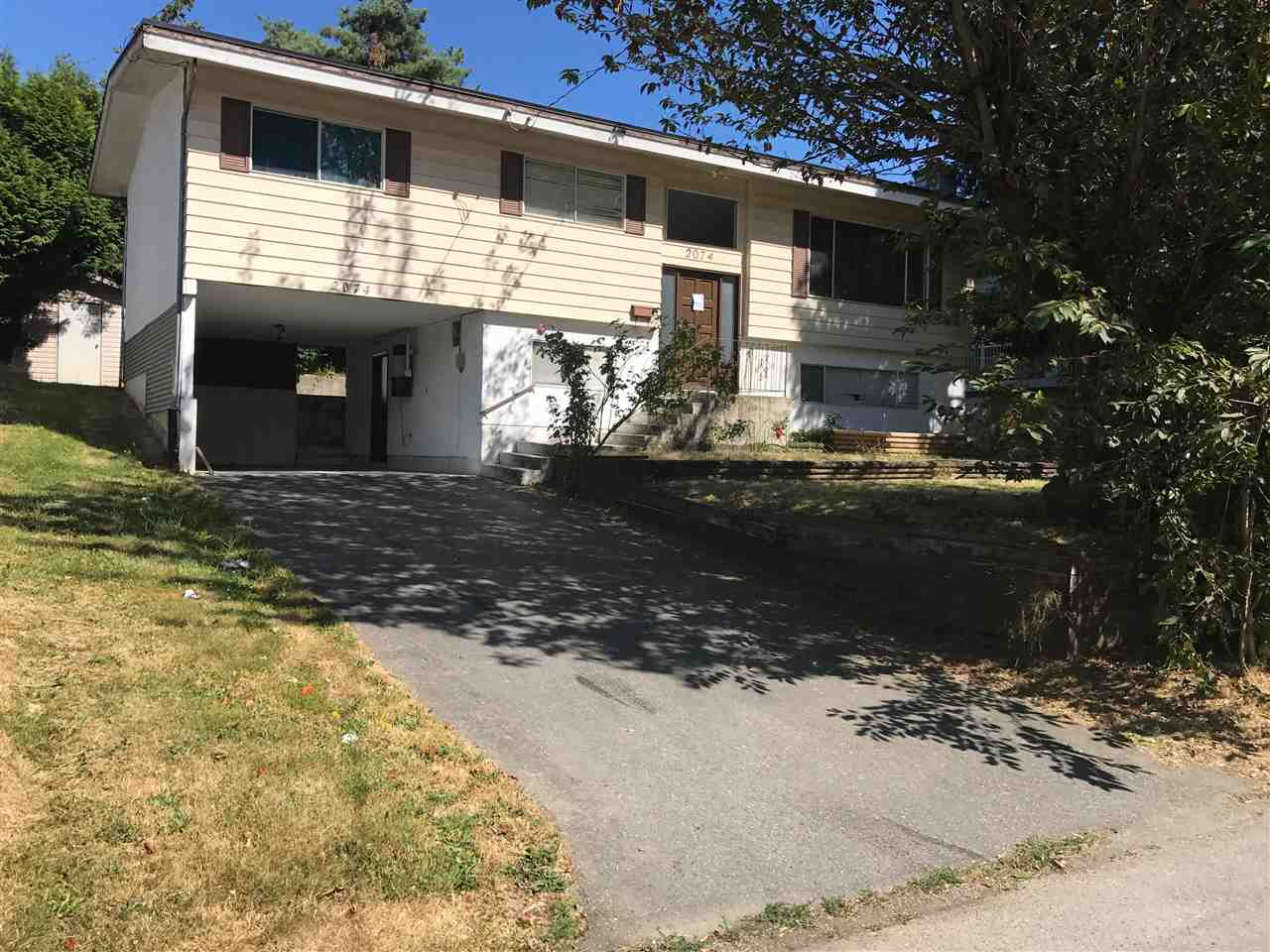 Detached at 2074 DOLPHIN CRESCENT, Abbotsford, British Columbia. Image 1