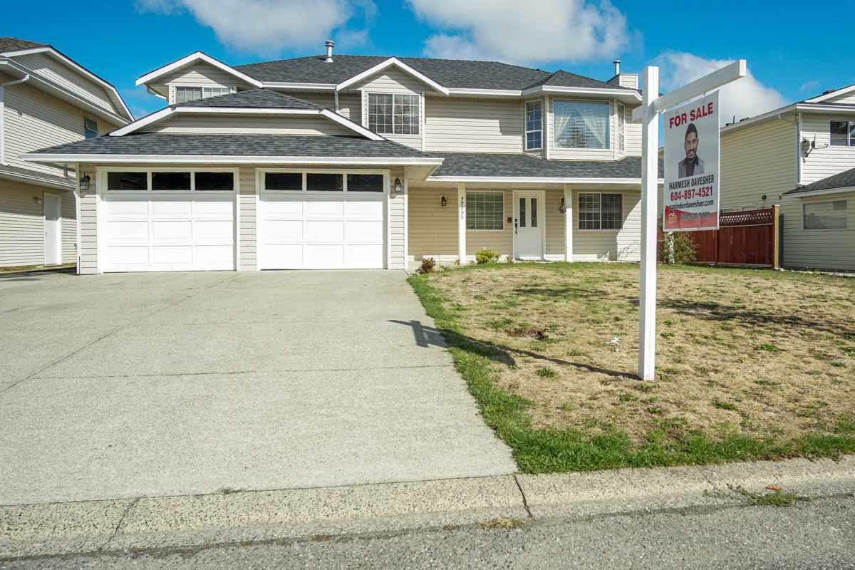 Detached at 32095 ROGERS AVENUE, Abbotsford, British Columbia. Image 1