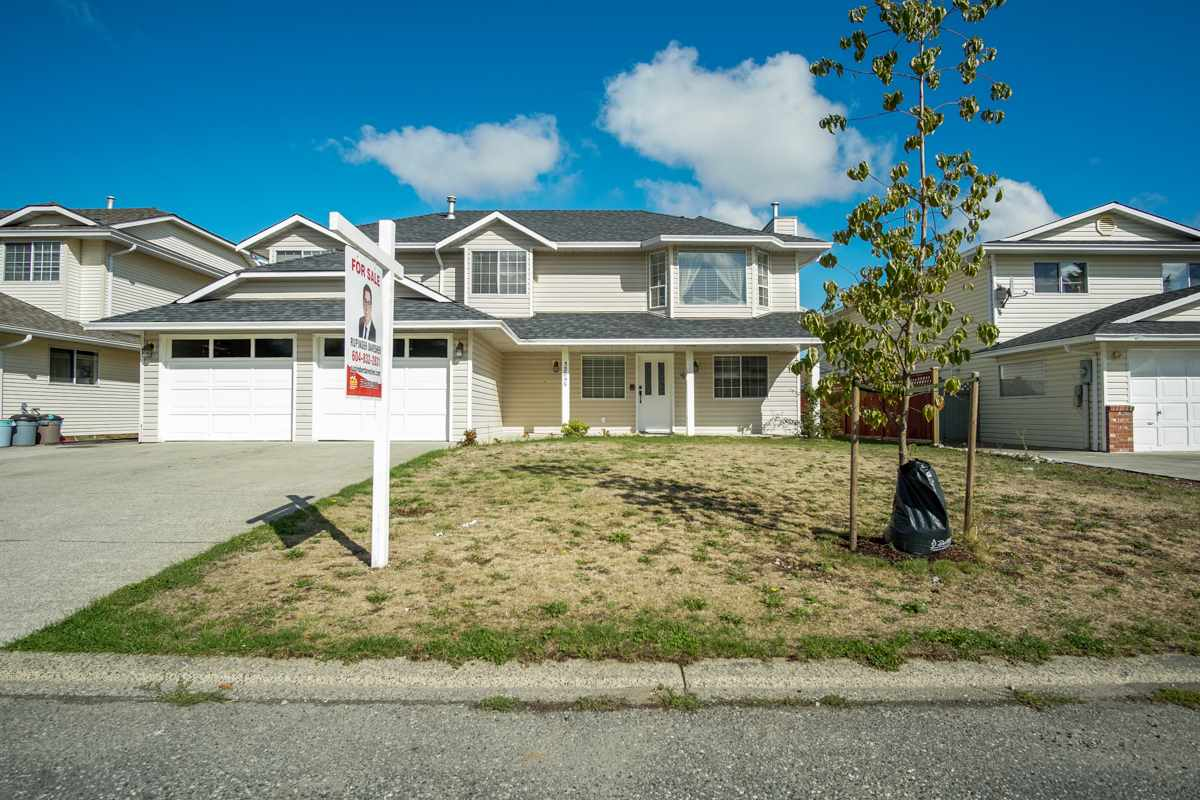 Detached at 32095 ROGERS AVENUE, Abbotsford, British Columbia. Image 2