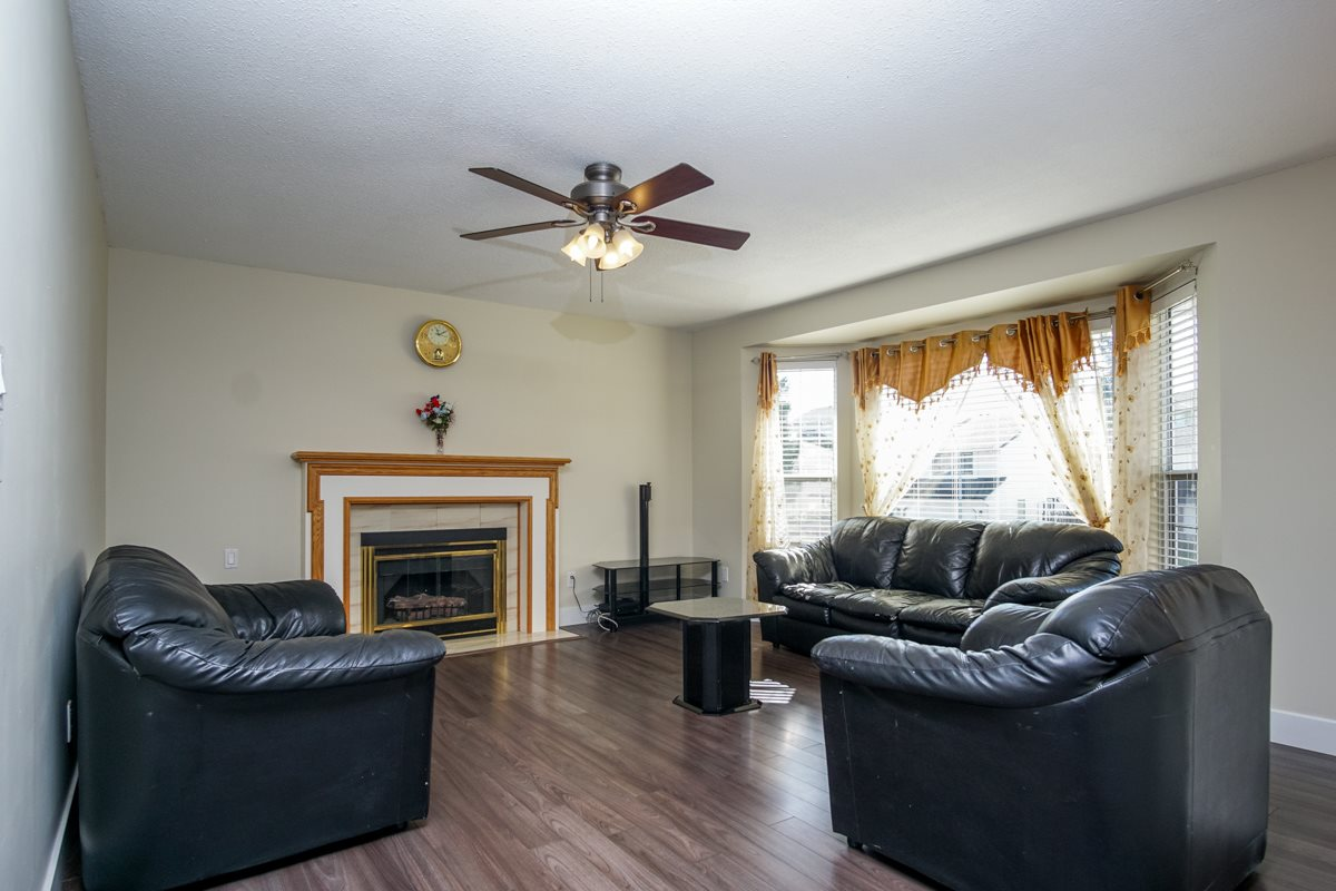 Detached at 32095 ROGERS AVENUE, Abbotsford, British Columbia. Image 3