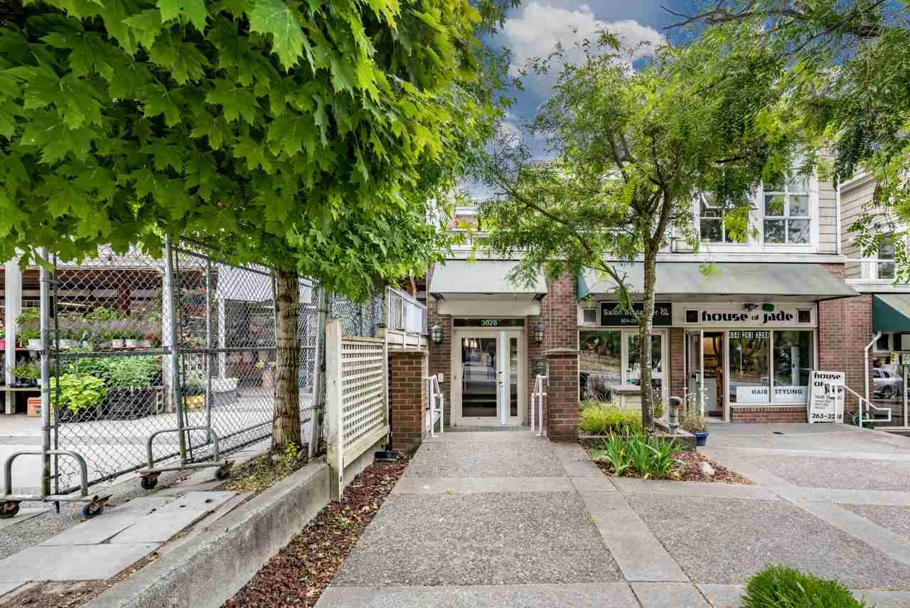 Condo Apartment at PH3 3028 W 41ST AVENUE, Unit PH3, Vancouver West, British Columbia. Image 1