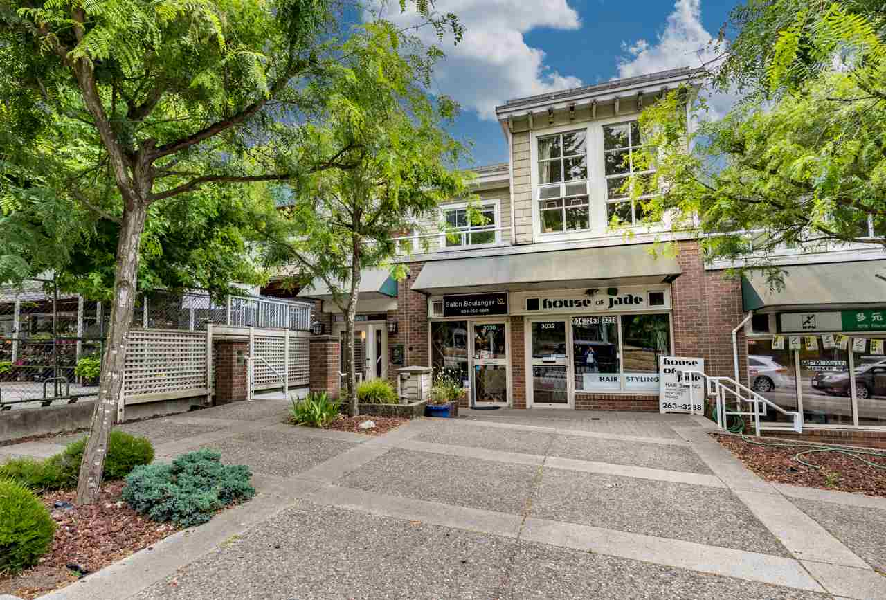 Condo Apartment at PH3 3028 W 41ST AVENUE, Unit PH3, Vancouver West, British Columbia. Image 2