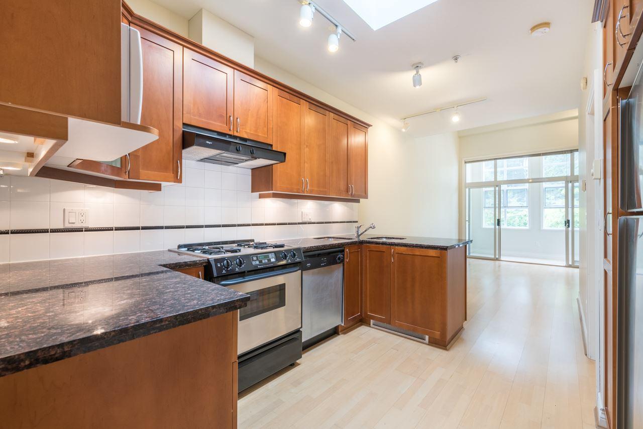 Condo Apartment at PH3 3028 W 41ST AVENUE, Unit PH3, Vancouver West, British Columbia. Image 5
