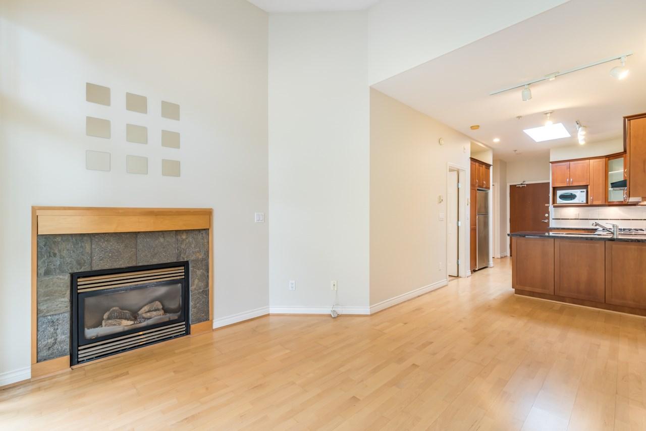 Condo Apartment at PH3 3028 W 41ST AVENUE, Unit PH3, Vancouver West, British Columbia. Image 6