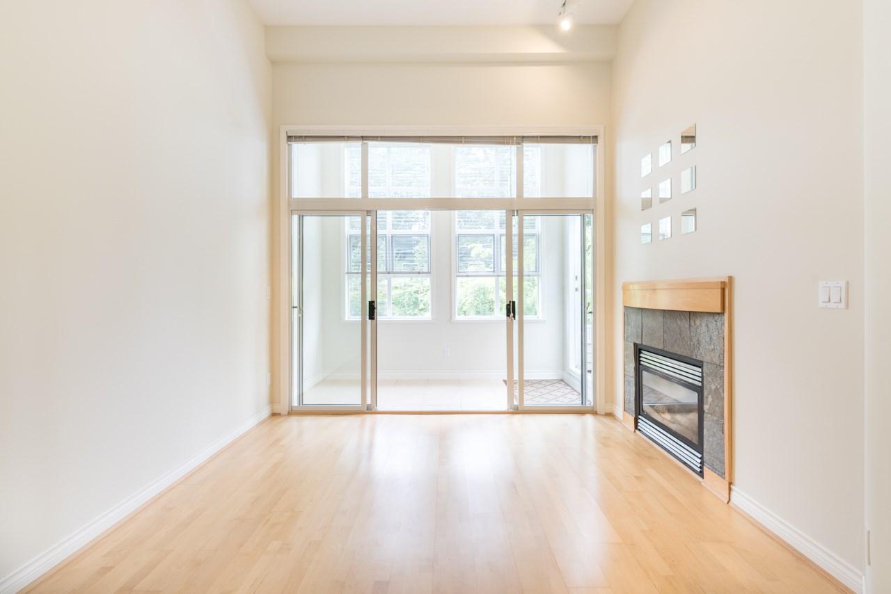 Condo Apartment at PH3 3028 W 41ST AVENUE, Unit PH3, Vancouver West, British Columbia. Image 8