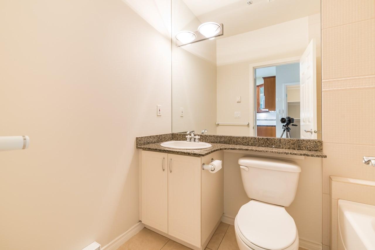 Condo Apartment at PH3 3028 W 41ST AVENUE, Unit PH3, Vancouver West, British Columbia. Image 10