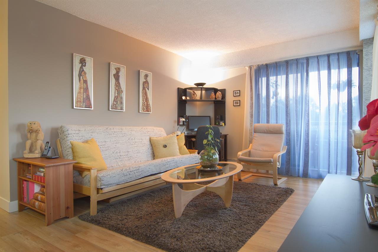 Condo Apartment at 402 47 AGNES STREET, Unit 402, New Westminster, British Columbia. Image 1