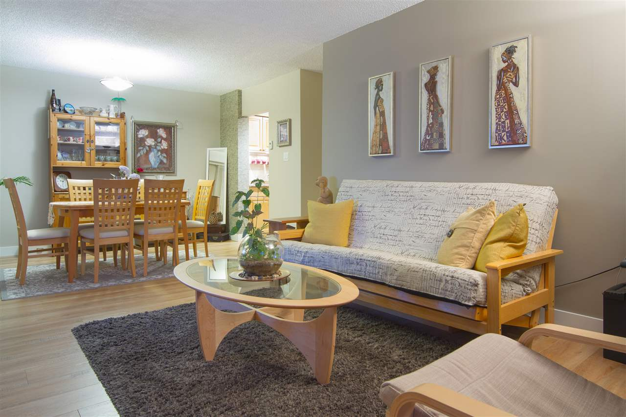 Condo Apartment at 402 47 AGNES STREET, Unit 402, New Westminster, British Columbia. Image 3