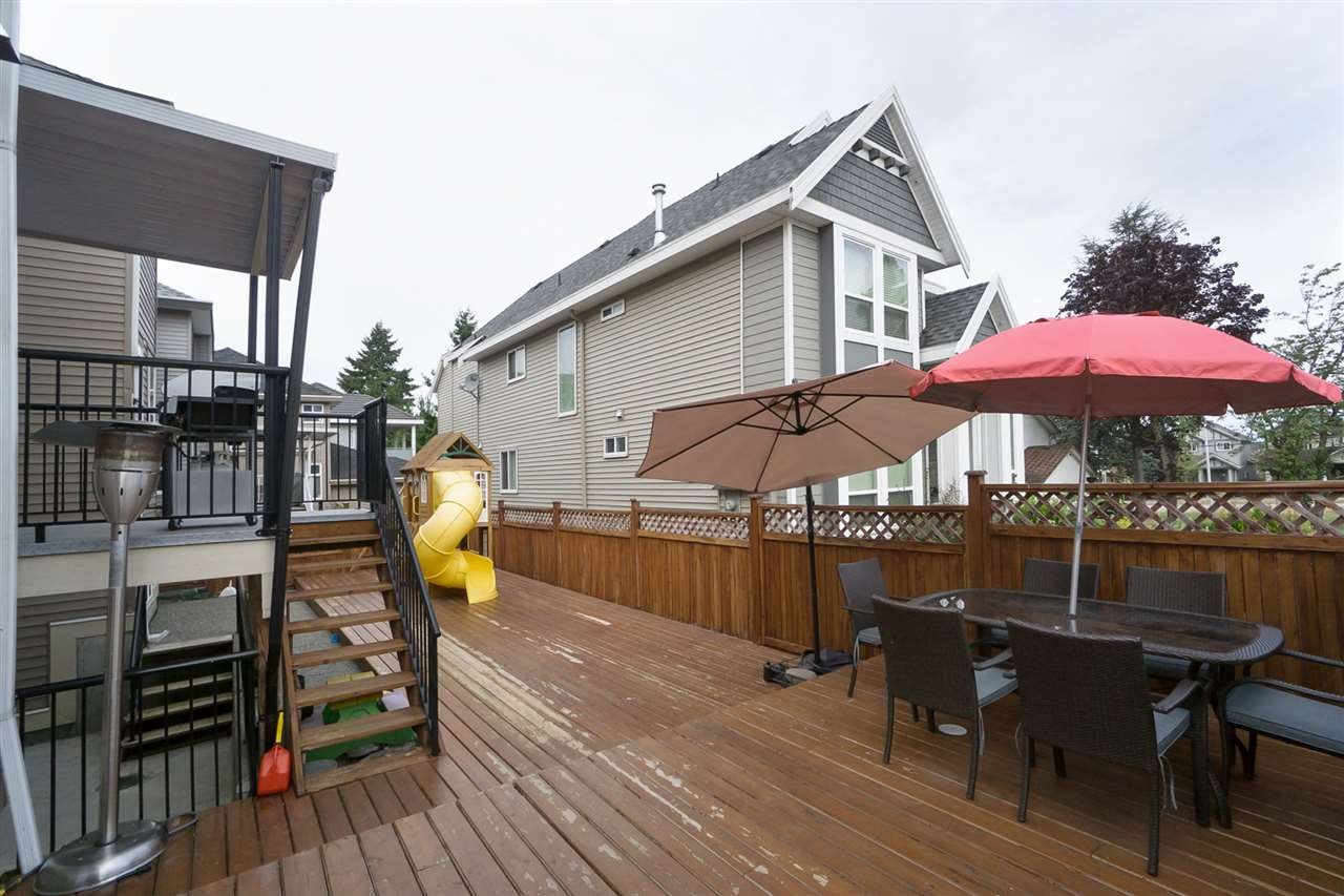 Detached at 14599 59B AVENUE, Surrey, British Columbia. Image 19