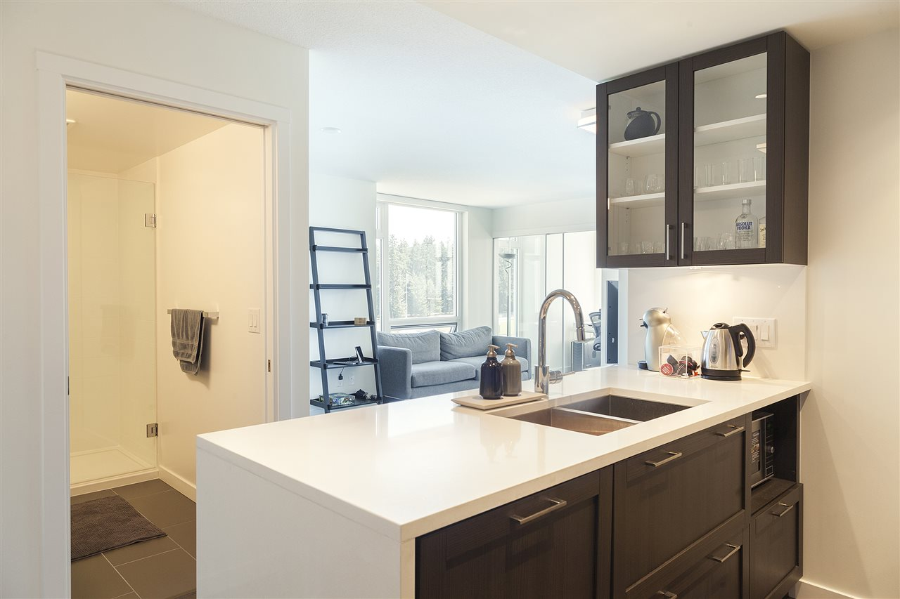 Condo Apartment at 1607 5665 BOUNDARY ROAD, Unit 1607, Vancouver East, British Columbia. Image 3