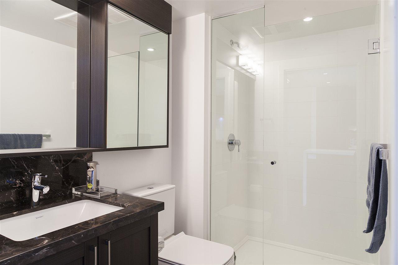 Condo Apartment at 1607 5665 BOUNDARY ROAD, Unit 1607, Vancouver East, British Columbia. Image 6