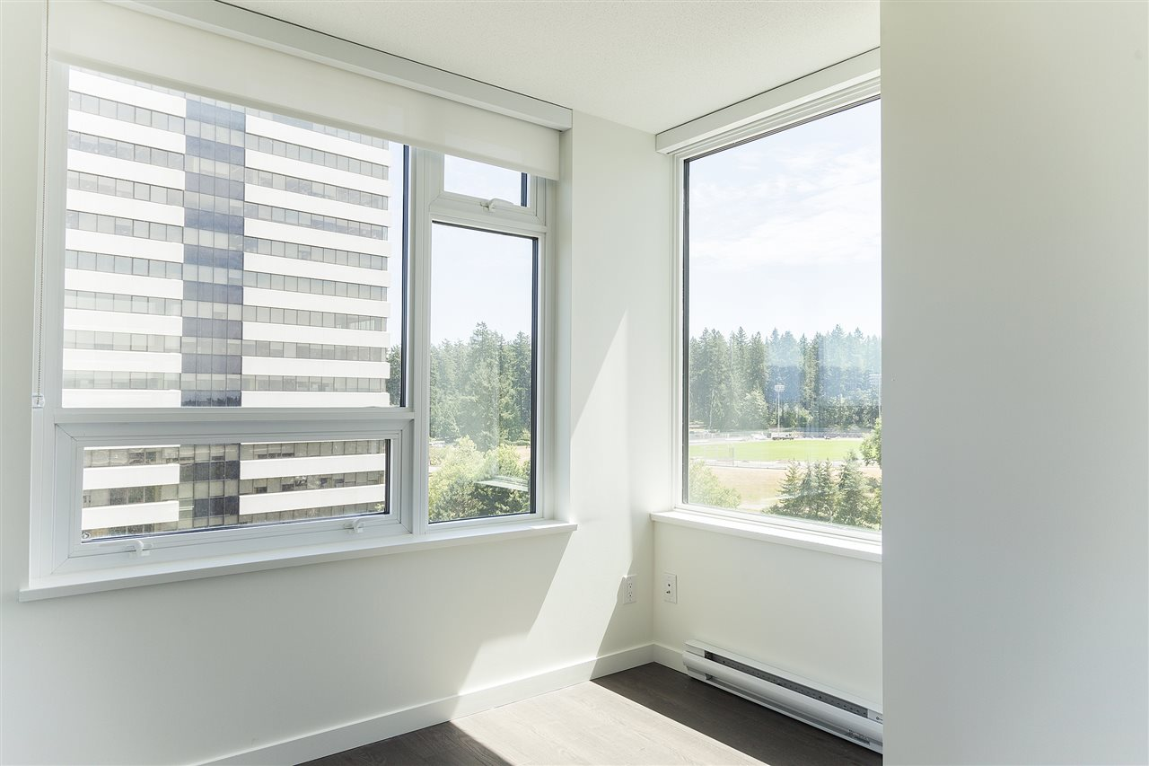 Condo Apartment at 1607 5665 BOUNDARY ROAD, Unit 1607, Vancouver East, British Columbia. Image 7
