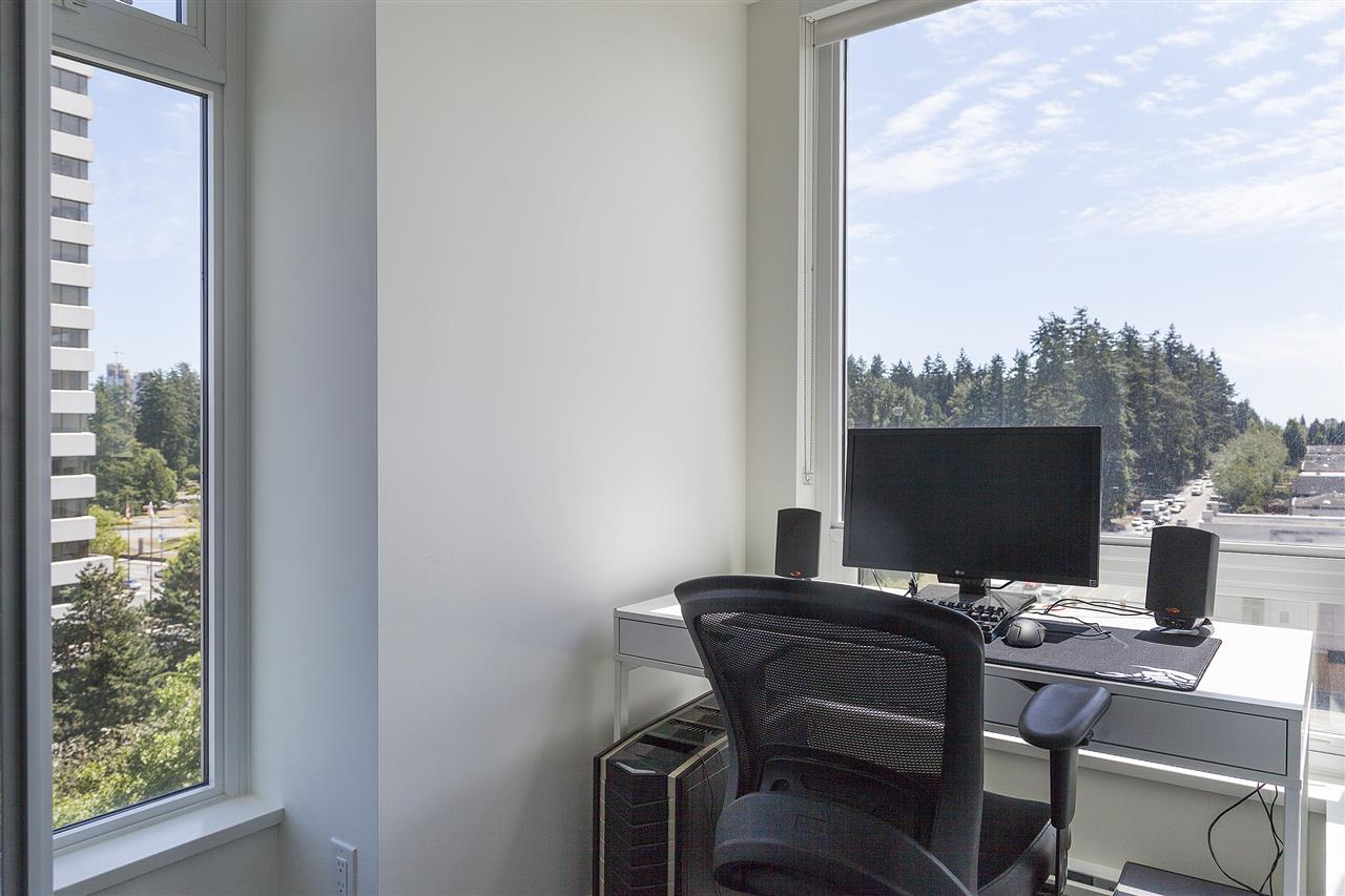 Condo Apartment at 1607 5665 BOUNDARY ROAD, Unit 1607, Vancouver East, British Columbia. Image 8
