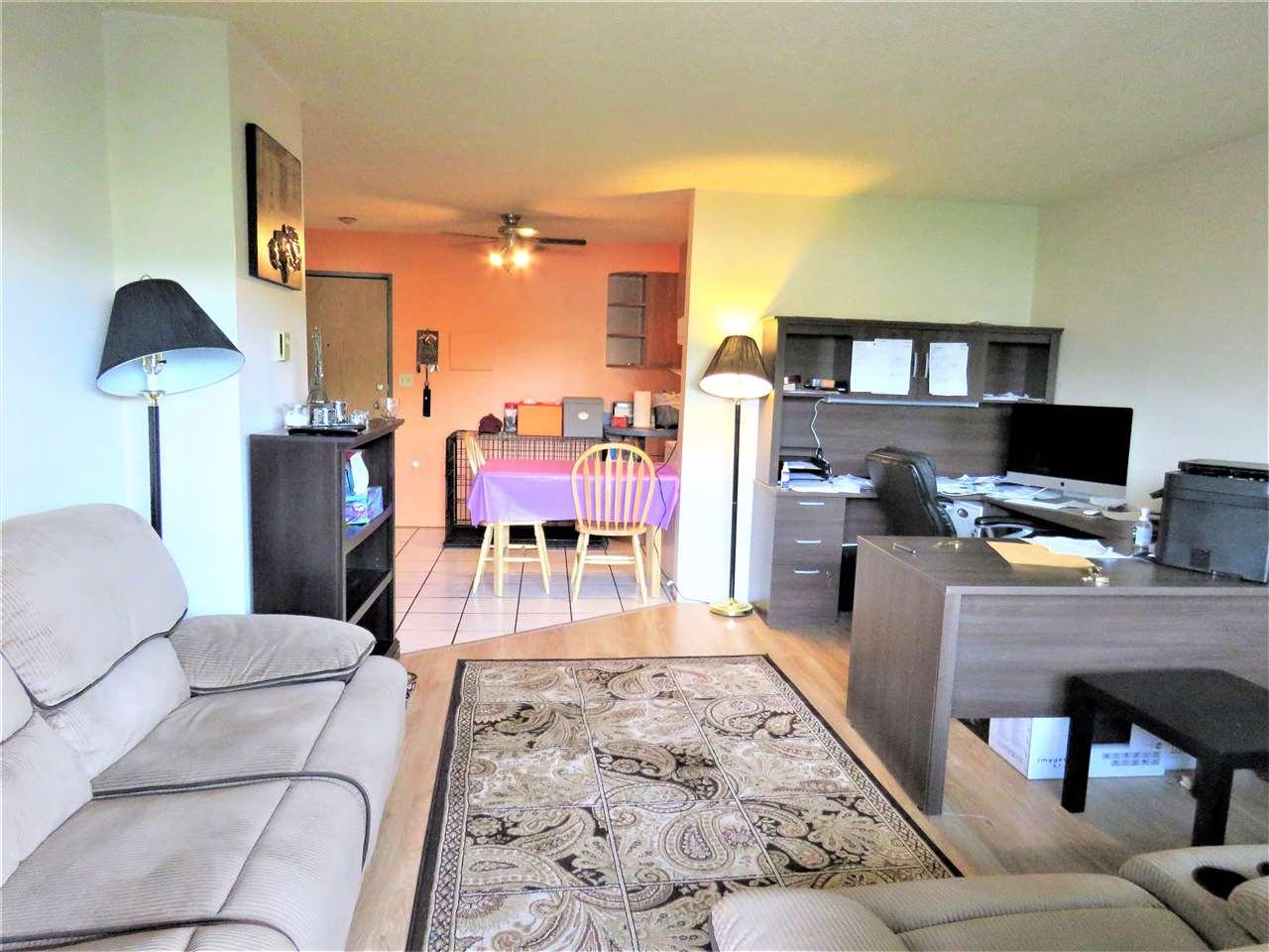 Condo Apartment at 215 2055 SUFFOLK AVENUE, Unit 215, Port Coquitlam, British Columbia. Image 3