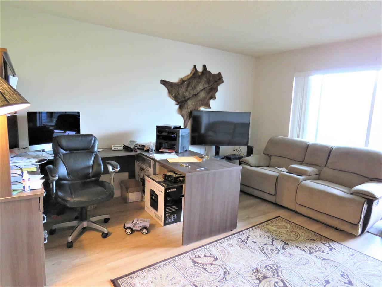 Condo Apartment at 215 2055 SUFFOLK AVENUE, Unit 215, Port Coquitlam, British Columbia. Image 4