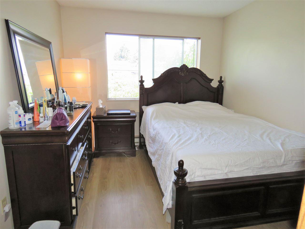 Condo Apartment at 215 2055 SUFFOLK AVENUE, Unit 215, Port Coquitlam, British Columbia. Image 9
