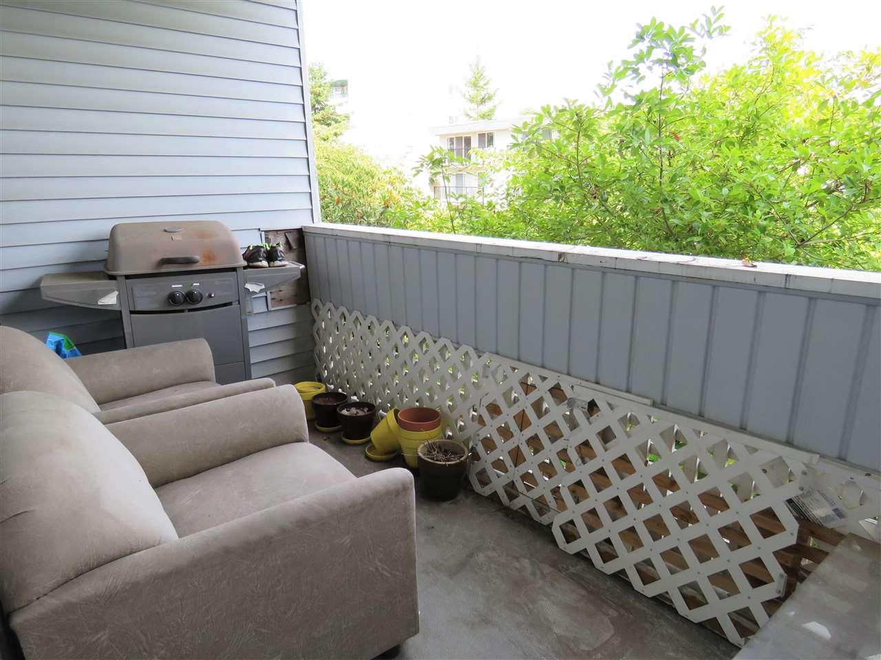 Condo Apartment at 215 2055 SUFFOLK AVENUE, Unit 215, Port Coquitlam, British Columbia. Image 11