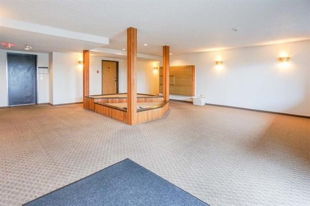Condo Apartment at 215 2055 SUFFOLK AVENUE, Unit 215, Port Coquitlam, British Columbia. Image 16